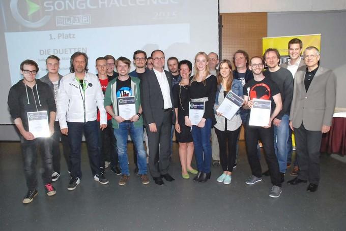 Landeshauptmann-Stv. Mag. Franz Steindl und die SongChallenge 2015 Preisträger